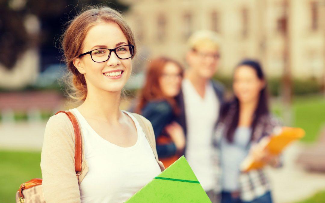 Безкоштовне навчання в Польщі: 5 стипендіальних програм